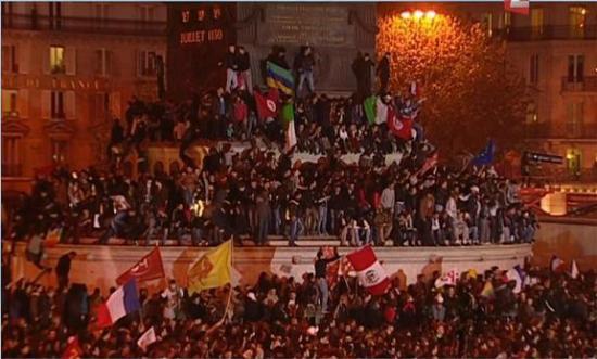 bastille-drapeaux-etrangers.jpg
